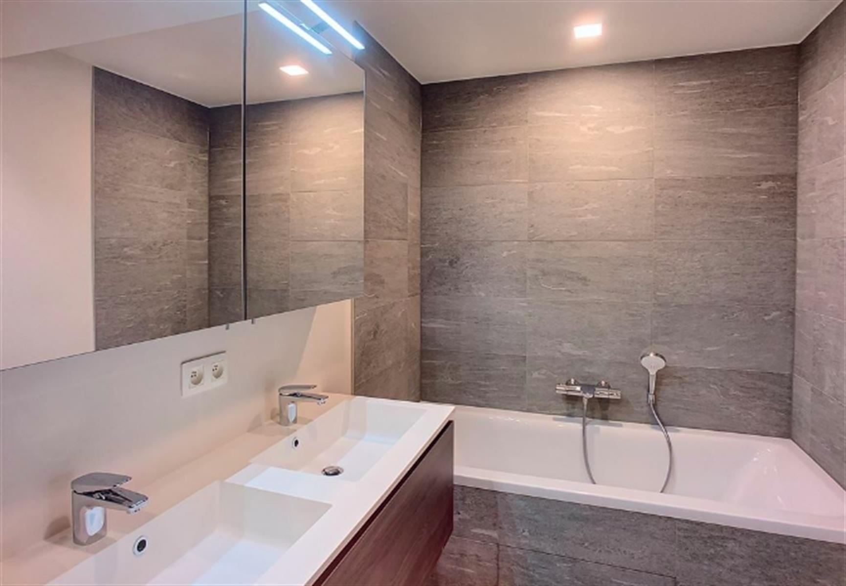 Appartement - Ixelles - #3999482-2